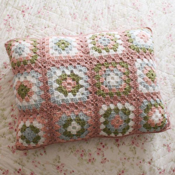 Como hacer una funda de almohad n a crochet todo - Hacer cojines para sillas ...