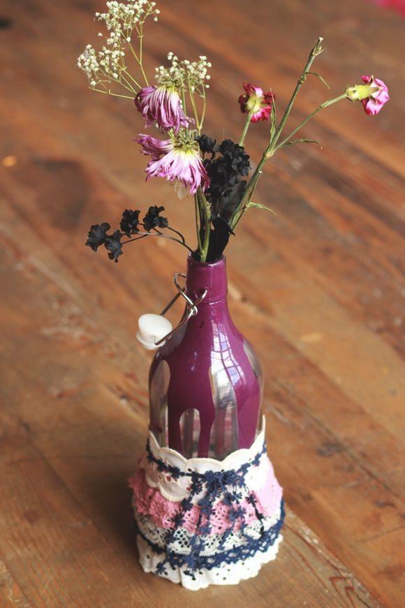 Reciclar una botella en un florero | Todo Manualidades