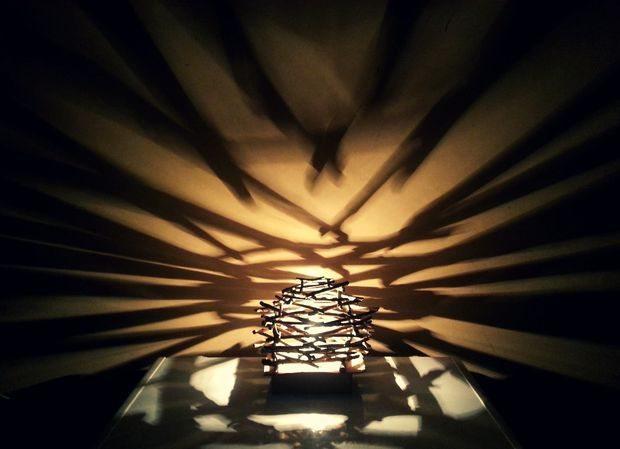 Como hacer una rustica lampara con ramitas todo manualidades - Como hacer una lampara rustica ...