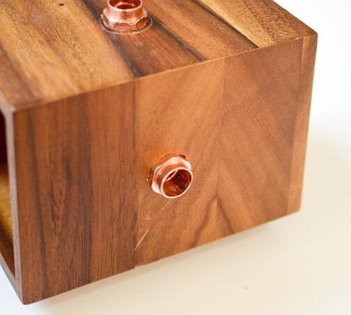 Como hacer una lampara de cobre y madera 7